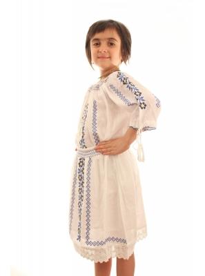 Costum national fata Evelina
